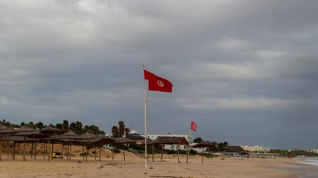 Covid-19 : hôpitaux saturés, personnel épuisé... Pourquoi la situation de la Tunisie inquiète