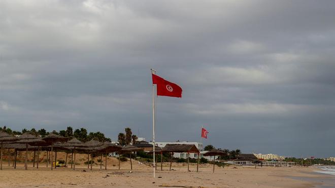 Submergée par le Covid-19, la Tunisie a interdit l'accès à de nombreuses plages (photo d'illustration)