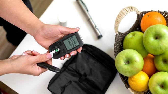 Si vous êtes diabétique et que vous faites Ramadan, il faut renforcer l'autosurveillance glycémique (photo d'illustration)