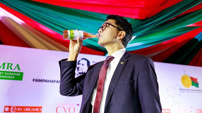 Le président malgache n'hésite pas à vanter les mérites du Covid-Organics