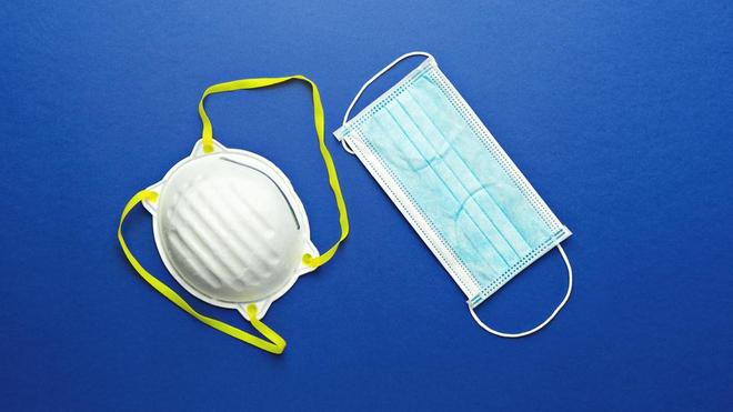 Voici les deux grands types de masques médicaux qui existent sur le marché (photo d'illustration)
