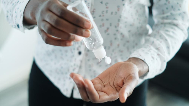 Coronavirus : Du gel hydroalcoolique made in Cameroun pour faire face à la pandémie