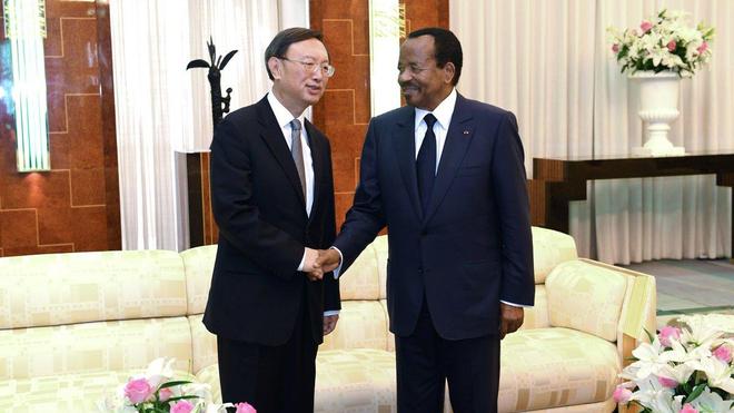 Paul Biya avec Yang Jiechi, le représentant spécial du Président de la République Populaire de Chine