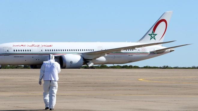 Au sein de l'avion, le port du masque est obligatoire sur tous les vols RAM et les bagages cabines sont restreints à un sac pour enfant, un sac pour ordinateur et un sac à main.