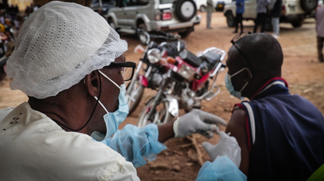 Malgré la fin d'Ebola en Guinée, la vigilance est de mise