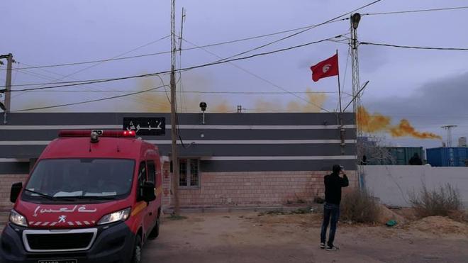 Les Tunisiens ont du mal à respirer à cause des fumées dégagées par le CGT