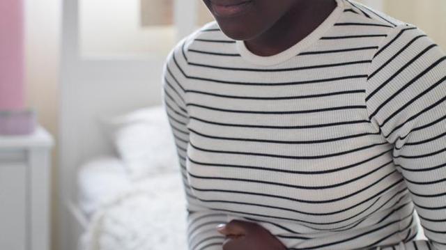 Au Cameroun, le repassage des seins impose d'expliquer la puberté