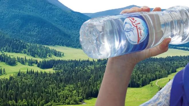 """La marque Sidi Harazem reconnaît la """"non-conformité"""" de trois lots de bouteilles"""
