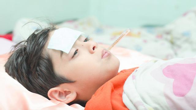 Mon enfant a de la fièvre, comment la faire baisser ?