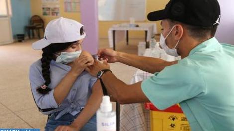 La vaccination anti-Covid-19 des adolescents s'accélère au Maroc