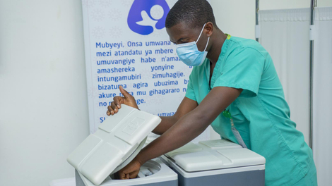 Face au Covid-19, la famine vaccinale angoisse l'Afrique