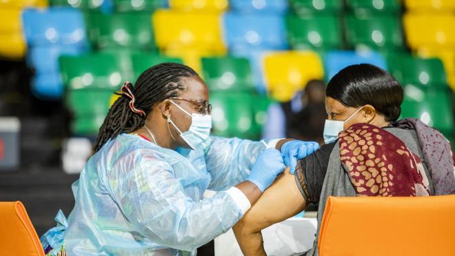La vaccination anti-Covid patine