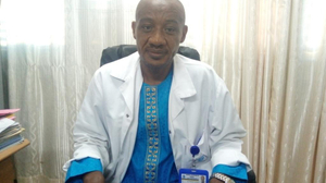 """Dr  Célestin Fonkwa: """"Pour éviter les complications du cancer du sein, il faut consulter tôt"""""""