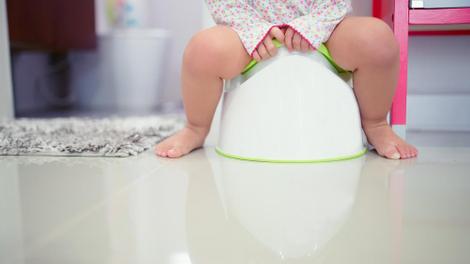 Apprentissage de la propreté : 5 astuces pour aider votre enfant à aller sur le pot