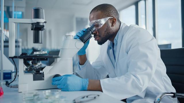 Face au Covid-19 et les futures maladies infectieuses, l'Afrique veut aussi fabriquer ses vaccins