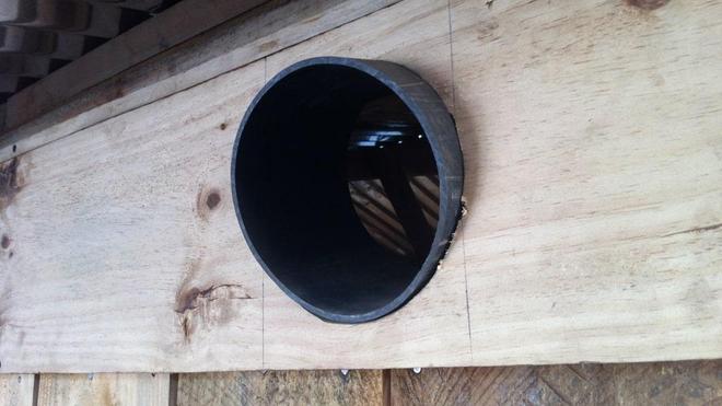 Eave Tube, le tube d'avant-toit qui facilite la lutte contre le paludisme