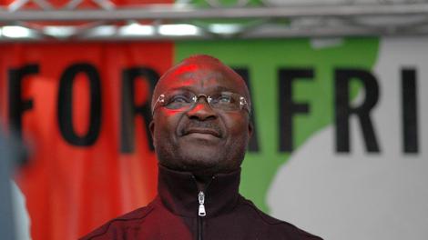 """Noma : des légendes du football africain se mobilisent pour sauver les """"enfants sans visage"""""""