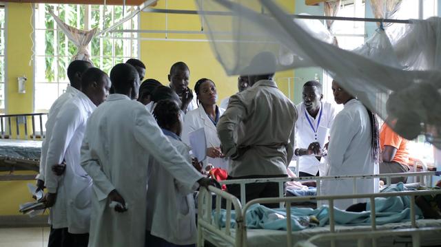 A Conakry, une mystérieuse maladie ronge la peau d'une famille