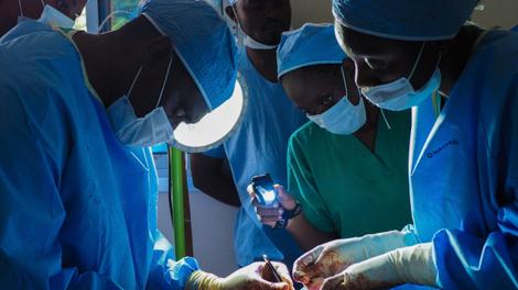 """Dr Axel Stéphane Nwaha Makon : """"La circoncision doit être pratiquée par des chirurgiens"""""""