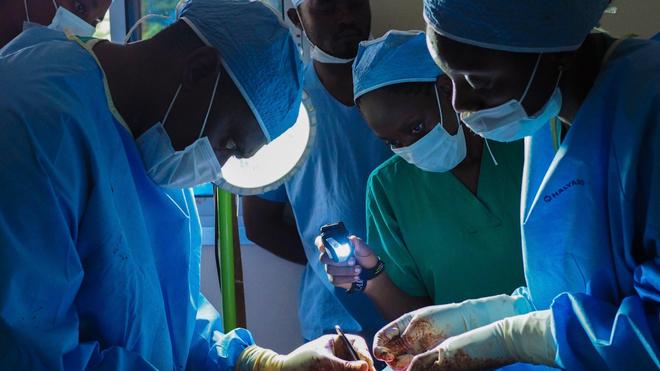 La circoncision peut entraîner de graves complications si elle n'est pas pratiquée par un chirurgien qualifié (Image d'illustration)