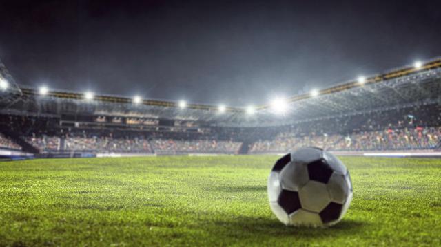 Covid-19 : en Algérie, des supporters de foot offrent de l'oxygène aux malades