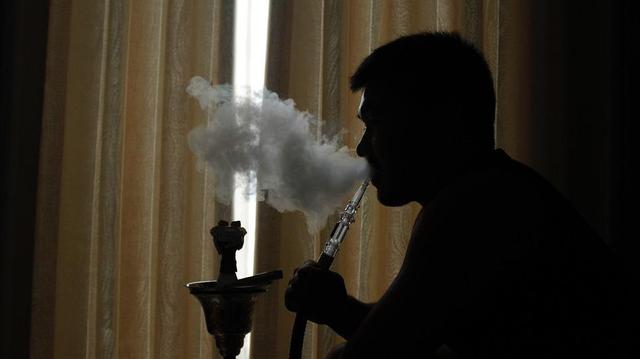 Chicha : la Guinée met en place une interdiction totale de fumer !