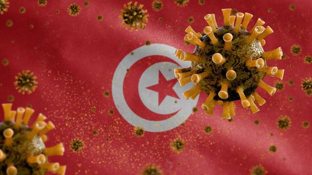 Face à l'afflux des patients Covid, la Tunisie se confine pour la fin du Ramadan