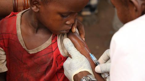 Au Gabon, une campagne de vaccination pour les bébés et les femmes enceintes est en cours !