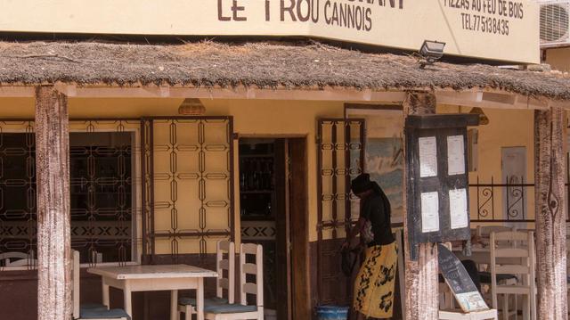 Au Sénégal, les bars et restaurants contraint de fermer plus tôt face à la deuxième vague