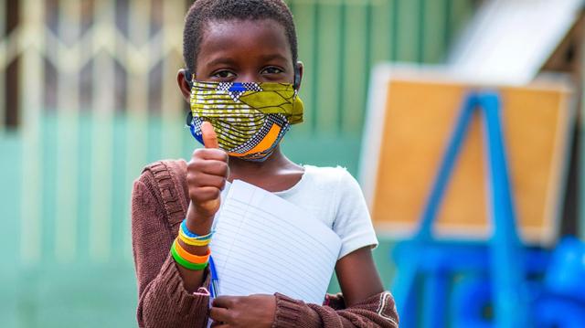Face au coronavirus, la police impose le port du masque à Kinshasa