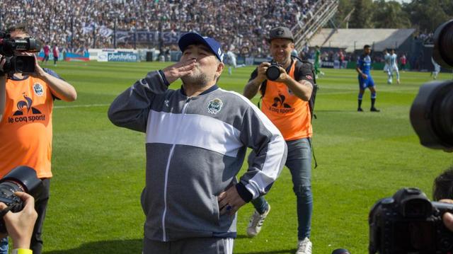 Mort de Diego Maradona, icône du football et de tous les excès
