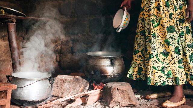 En Afrique subsaharienne, la pollution envahit les maisons !