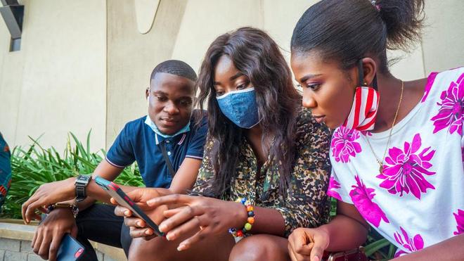 De nombreux jeunes utilisent les applications pour accéder aux soins (photo d'illustration)