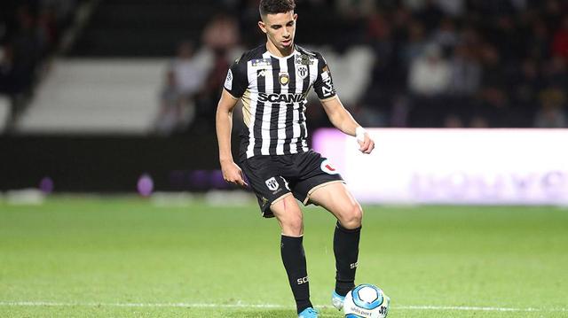 Ligue 1 : Un footballeur franco-algérien testé positif au coronavirus