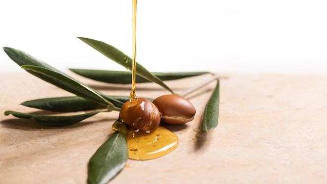 L'huile d'argan, utilisée pour les cosmétiques et l'alimentation
