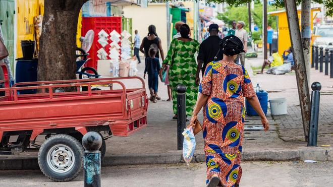 """A Brazzaville, nombreux sont ceux qui """"oublient"""" les gestes barrières (photo d'illustration)"""