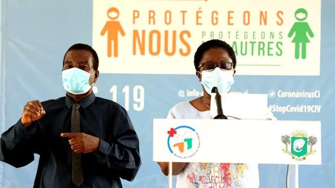 Le Dr Edith Kouassy lors d'un point presse dédié à l'évolution de la pandémie de coronavirus en Côte d'Ivoire